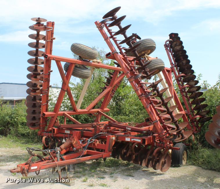 Ag Equipment Auction in Chanute, by Purple Wave Auction