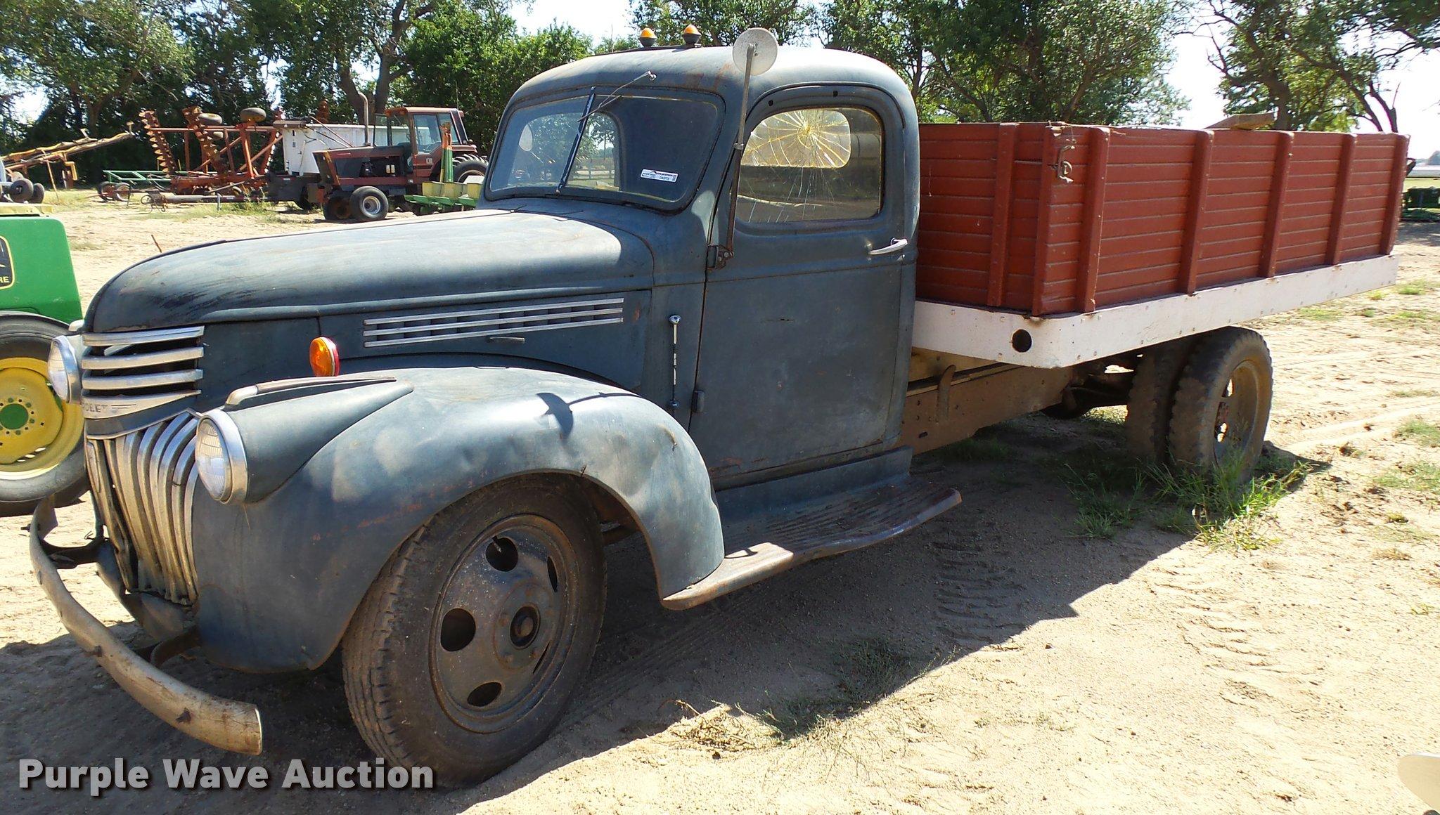 1941 Chevrolet grain truck | Item DA9772 | SOLD! October 12