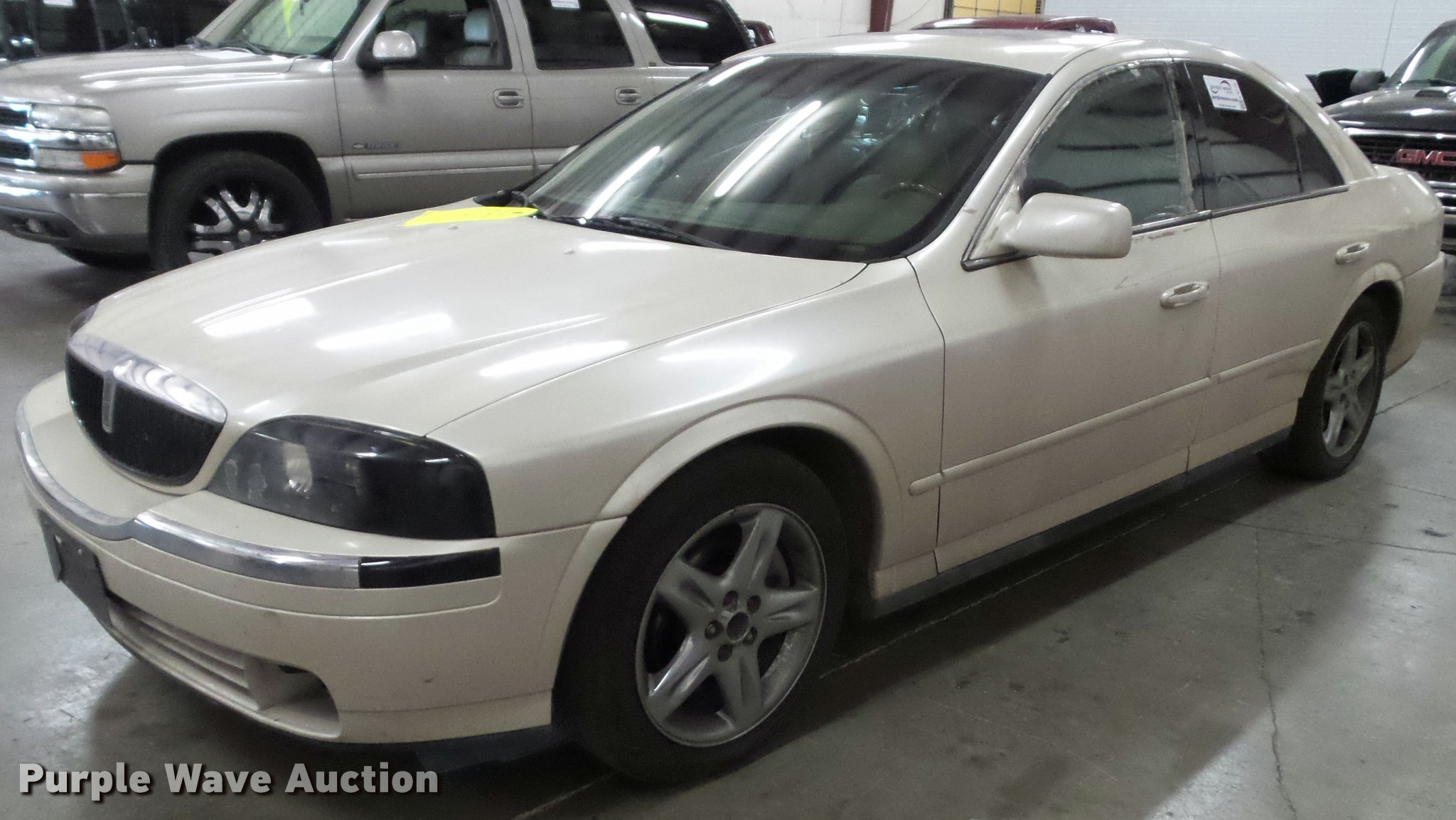 2002 Lincoln LS | Item K8176 | SOLD! October 18 Kansas Highw