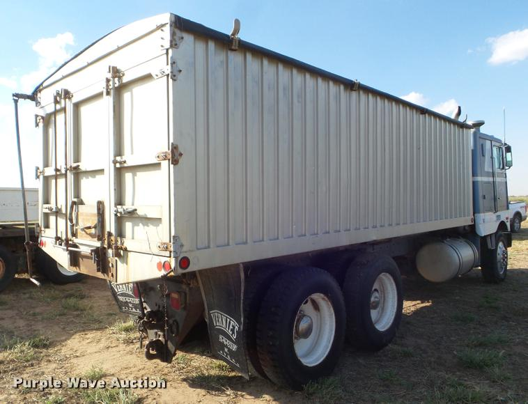 1979 Peterbilt 352S86 grain truck | Item DA4622 | SOLD! Octo