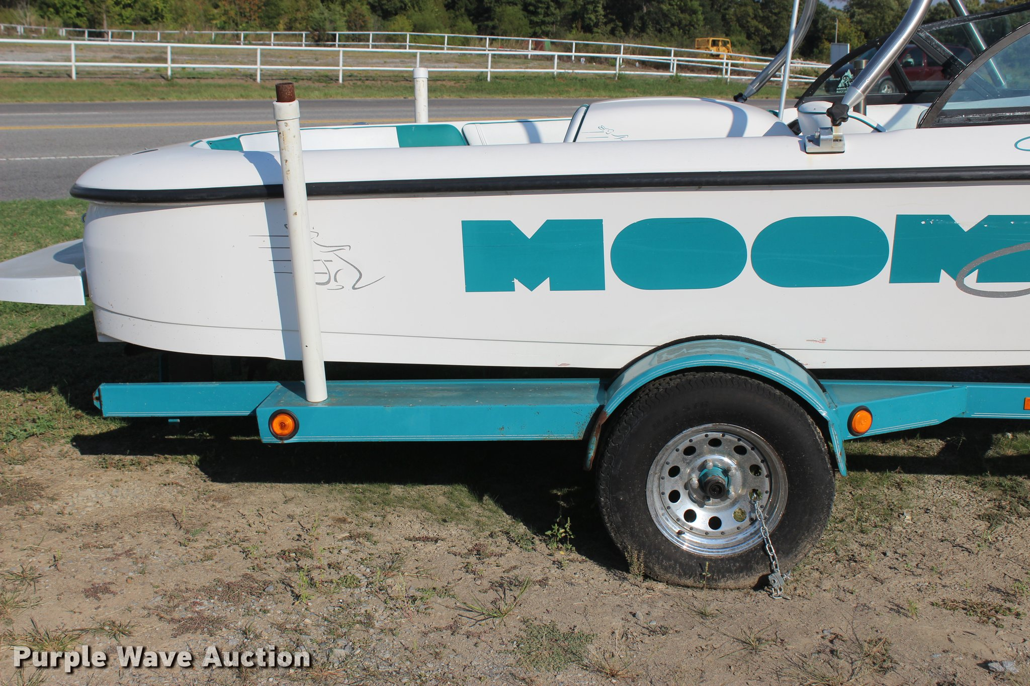 ... 1997 Moomba Outback ski boat Full size in new window ...