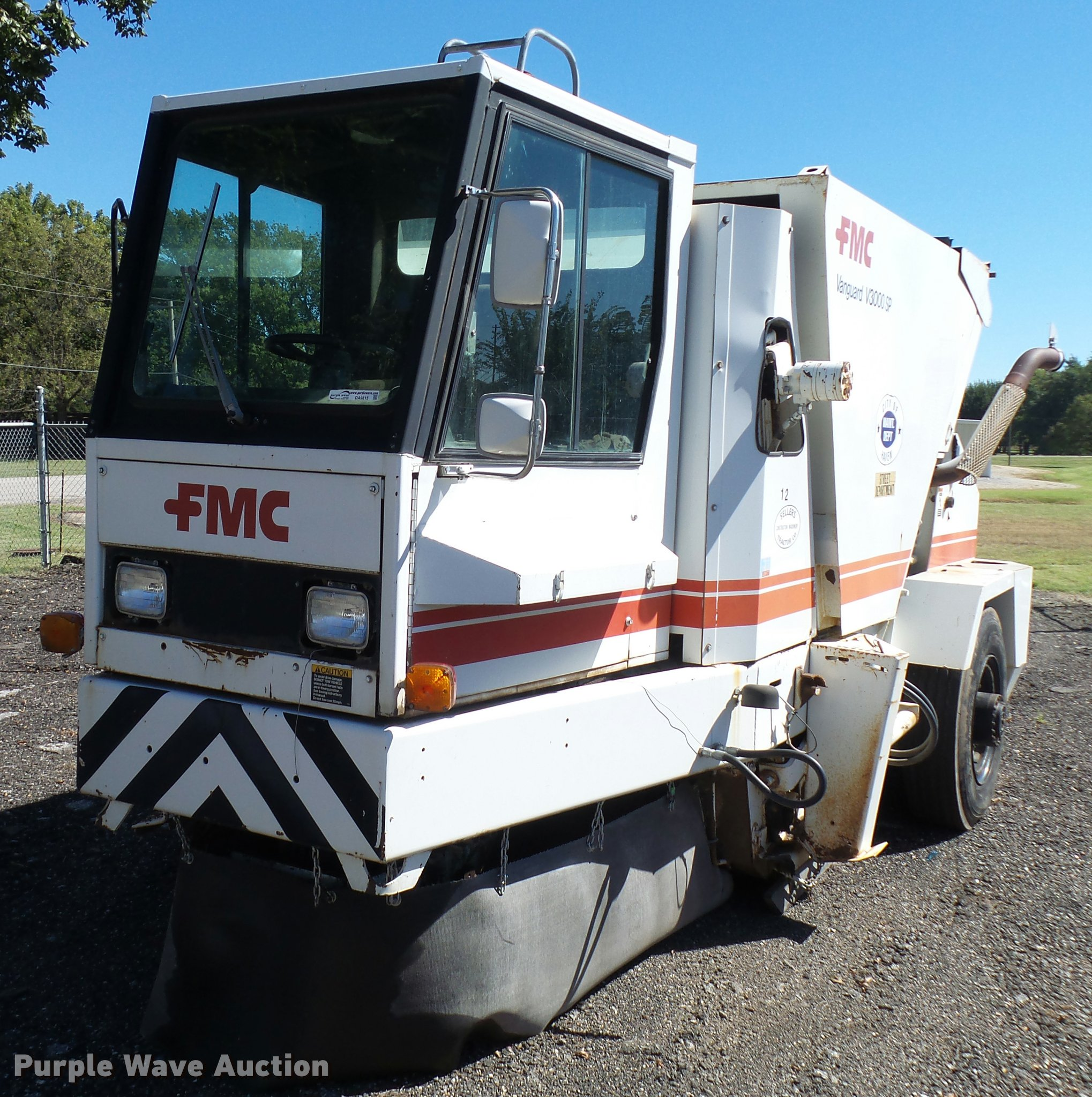 1989 fmc vanguard v3000sp street sweeper item da9815 sol rh purplewave com Tyco Sweeper Tymco 500X Sweeper