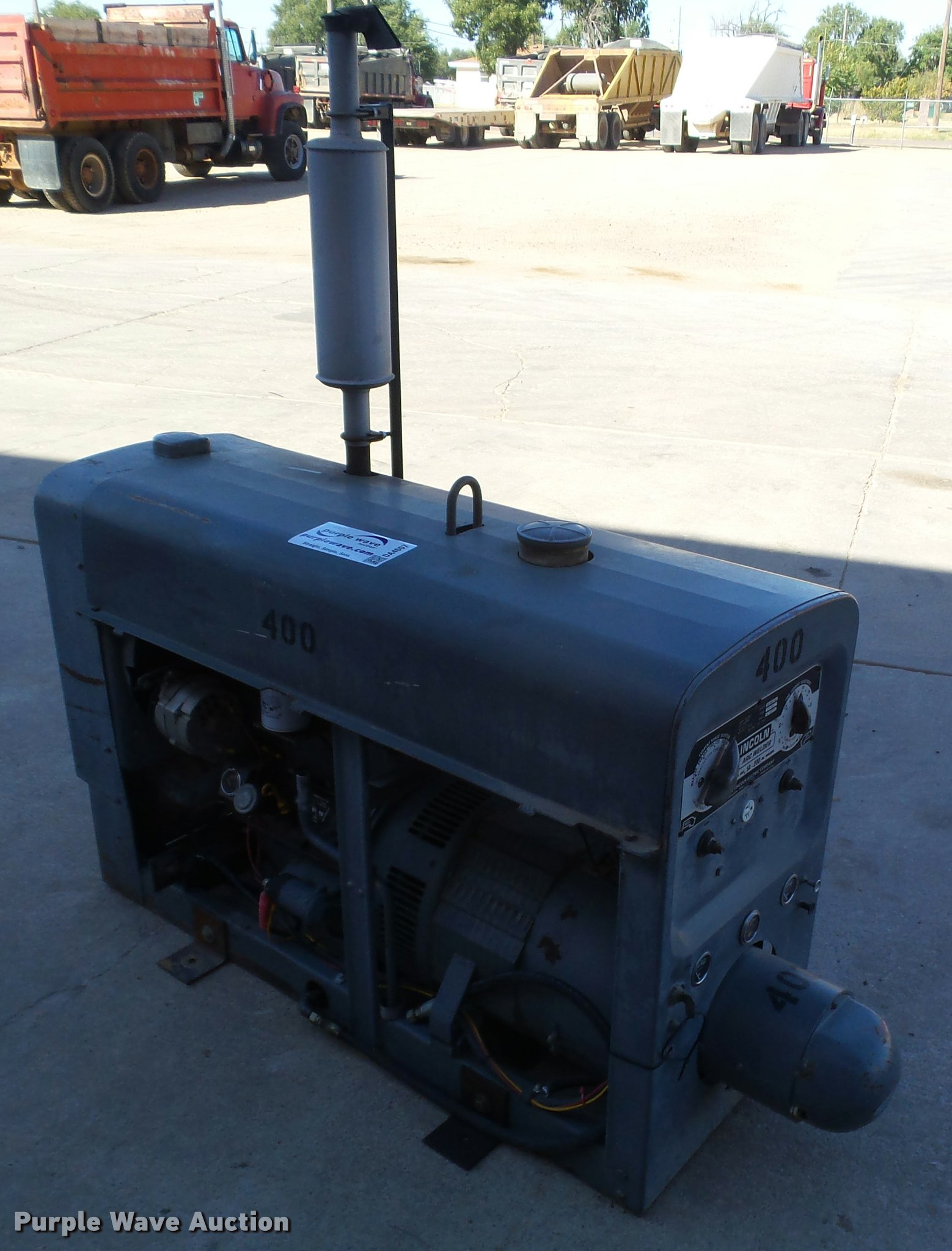Lincoln SA-200-F-163 arc welder | Item DA4607 | SOLD! Novemb