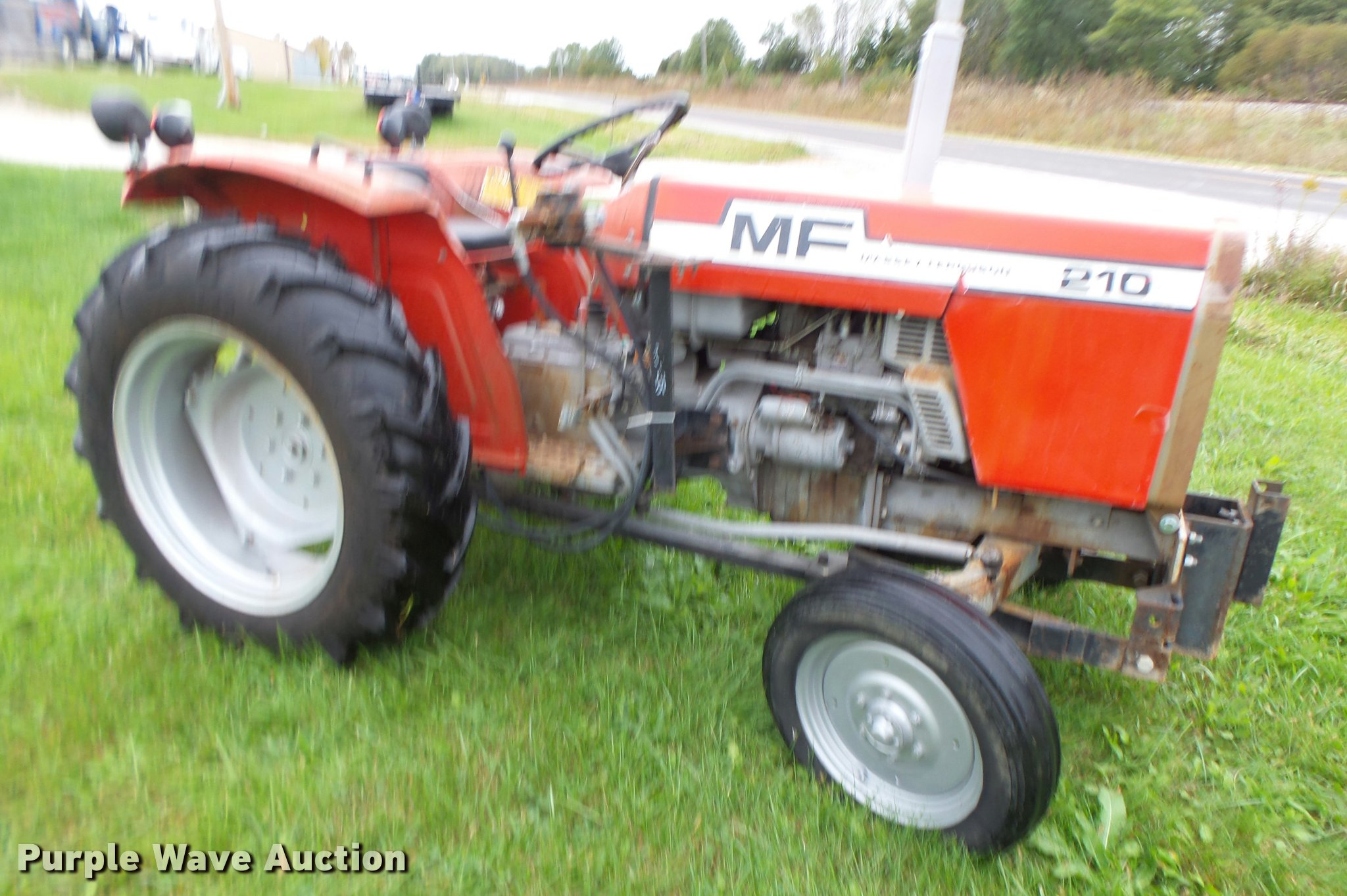Massey Ferguson 210 Tractor : Used construction agricultural equip trucks trailers