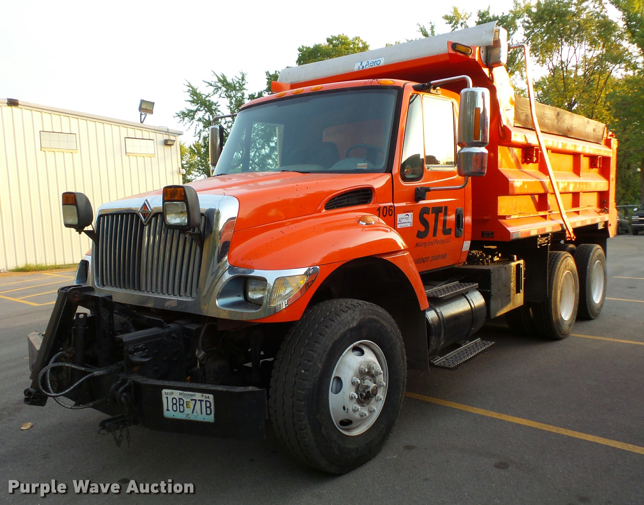 2003 International 7400 dump truck | Item L3530 | SOLD! Nove