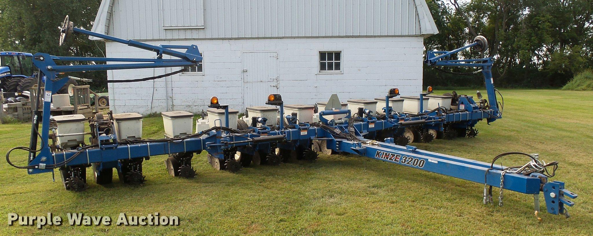 Kinze 3200 Planter Item Al9119 Sold November 30 Ag Equi