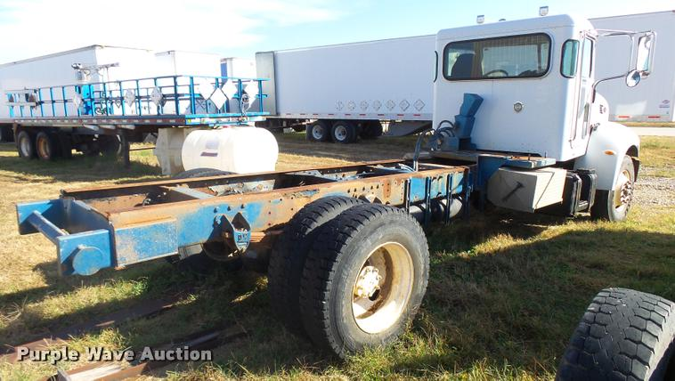 2007 Peterbilt 335 truck cab and chassis | Item L3307 | SOLD