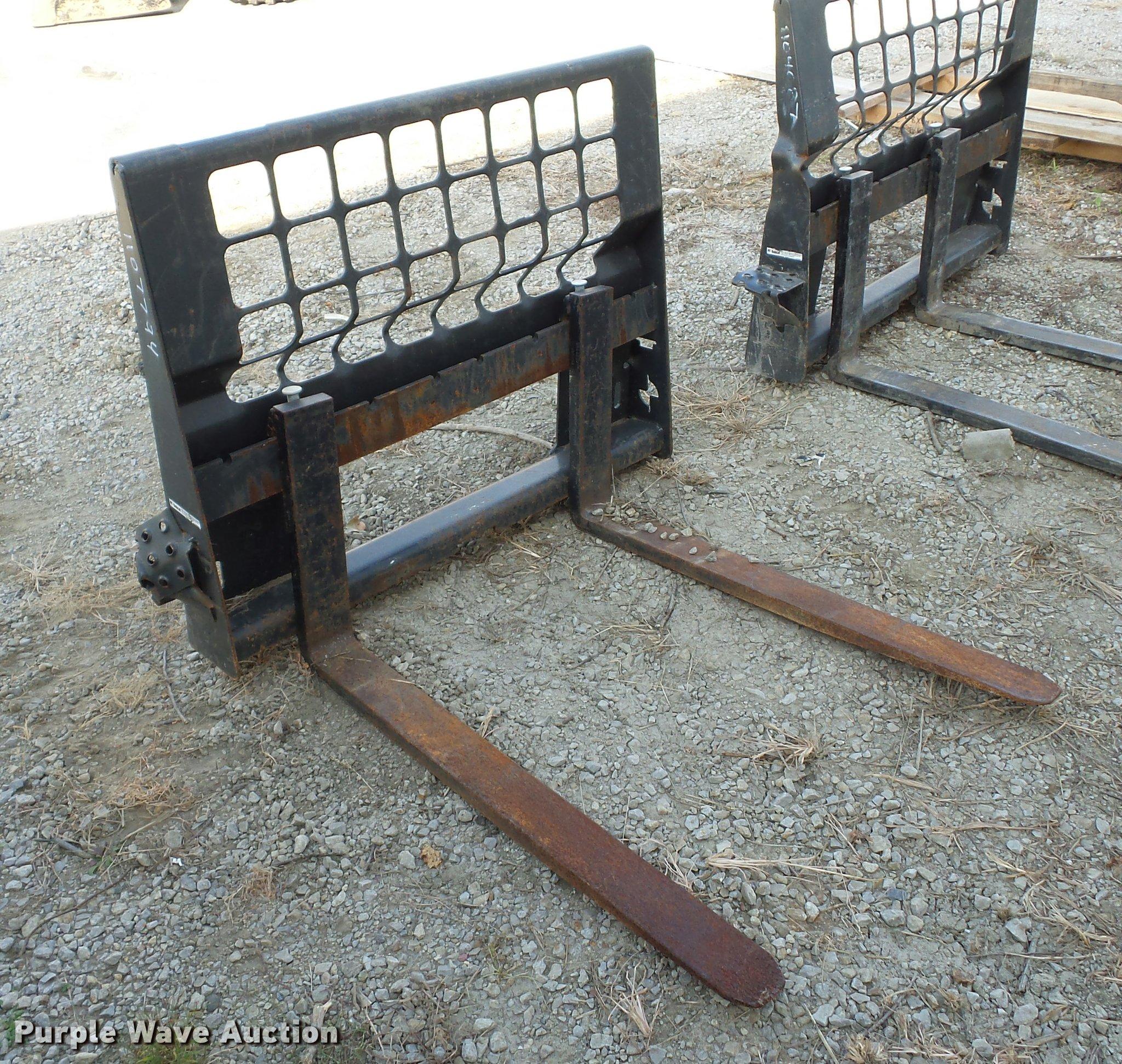 Bobcat skid steer forks   Item BG9642   SOLD! November 30 Ve