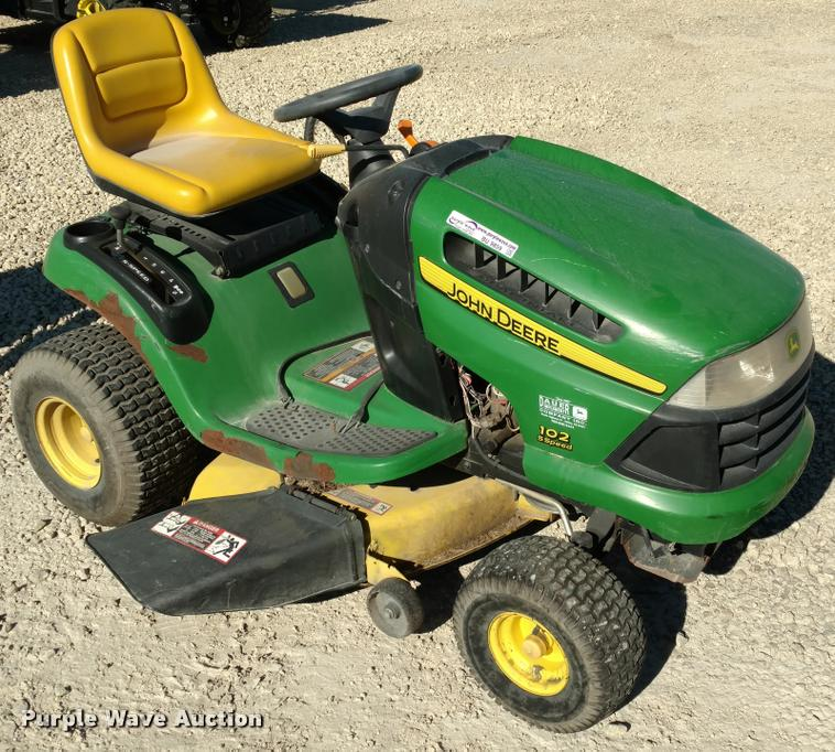 John Deere Lawn Mowers For Sale >> John Deere 102 Lawn Mower Item Bu9859 Sold December 15