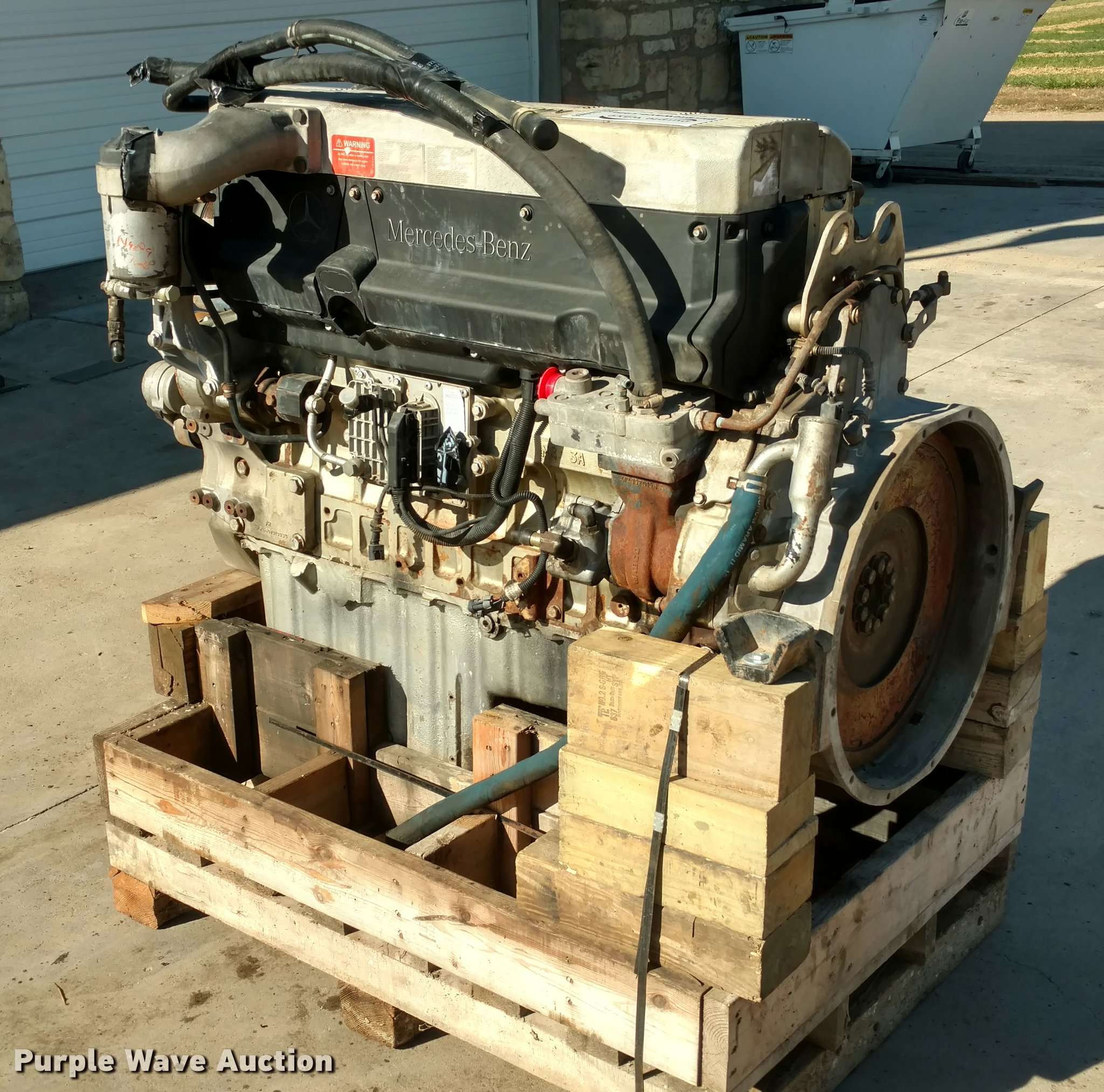 engine zoom s sn a engines mw sweeper truck t vin mercedes benz loading diesel freightliner