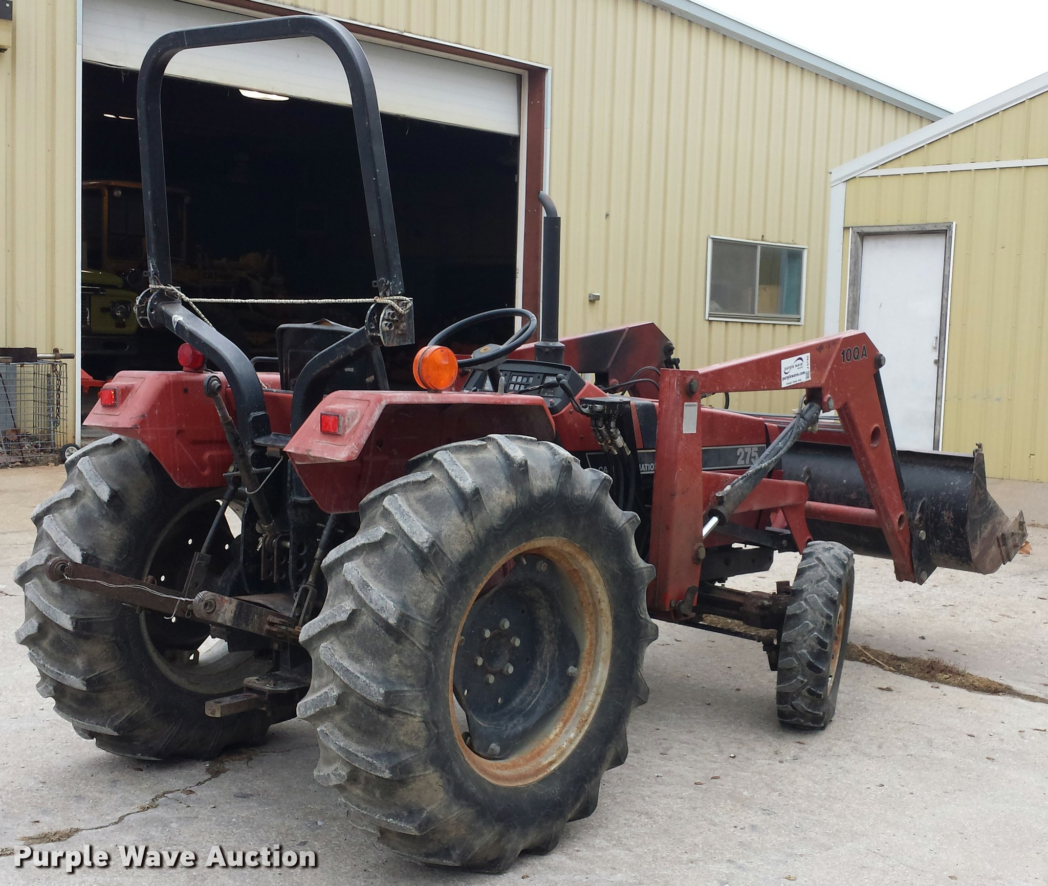 ... Case IH 275 MFWD tractor Full size in new window ...