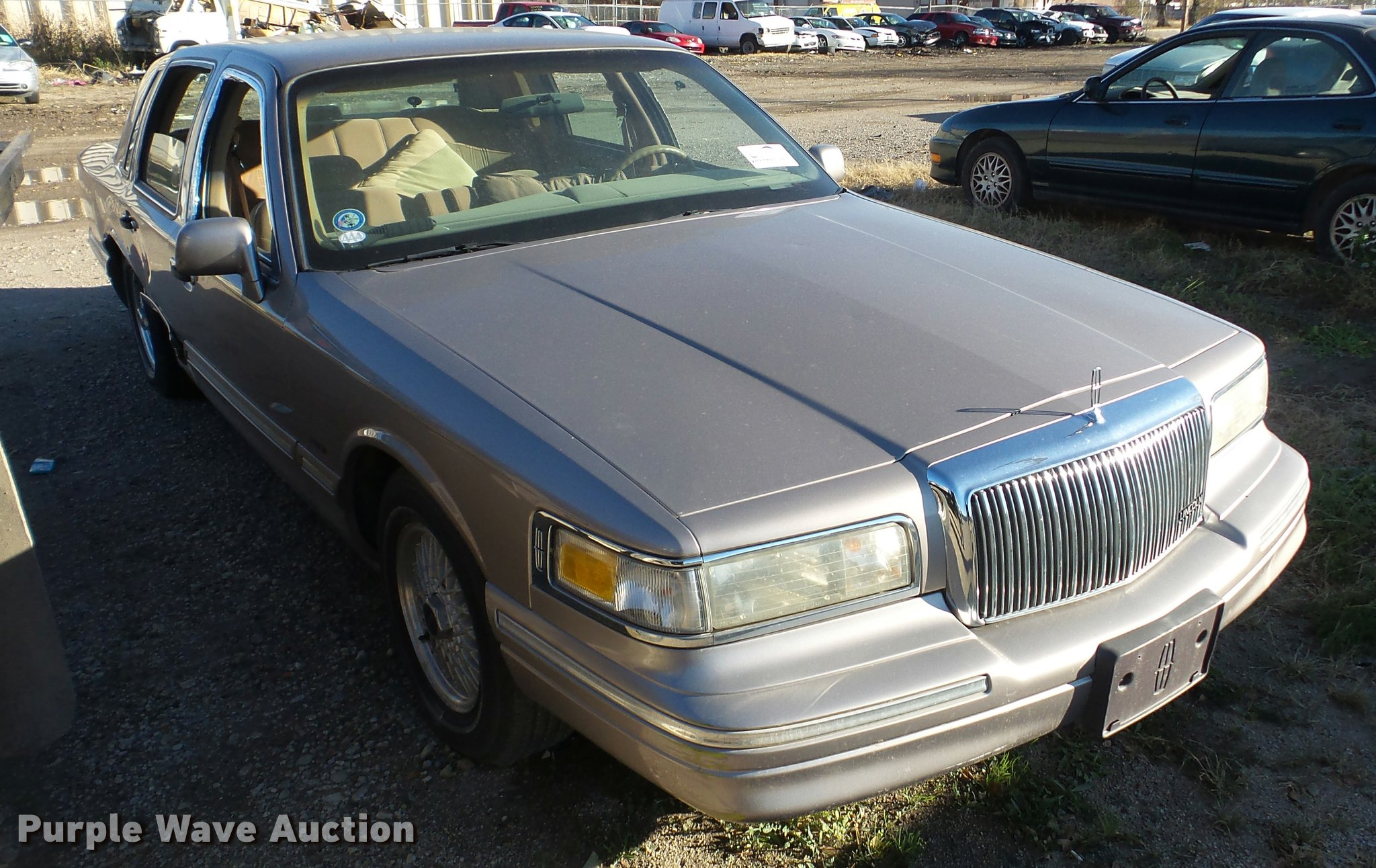 for strongauto lincoln town car and photos sale specs