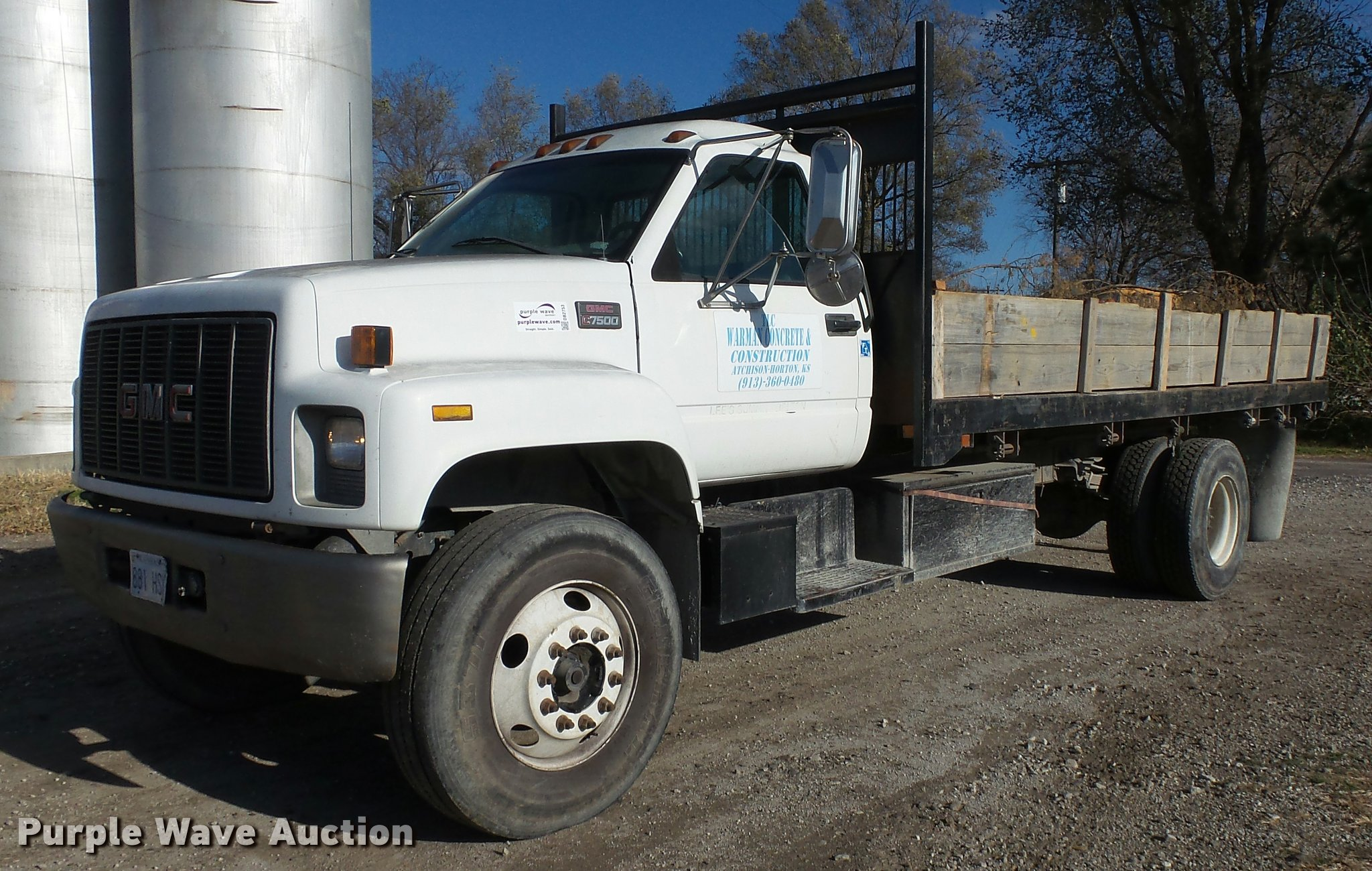 DB2753 image for item DB2753 2001 GMC C7500 dump flatbed truck