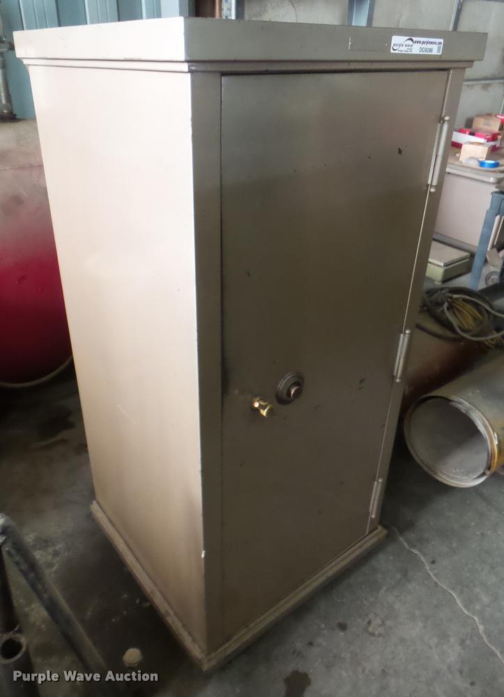 The Safe cabinet safe | Item DG9286 | SOLD! February 1 Vehic...