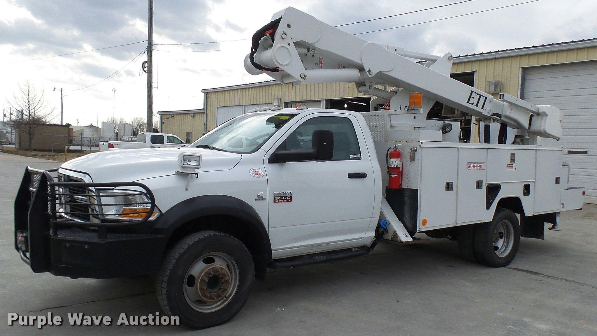 2011 dodge ram 5500 hd bucket truck item av9864 sold fe
