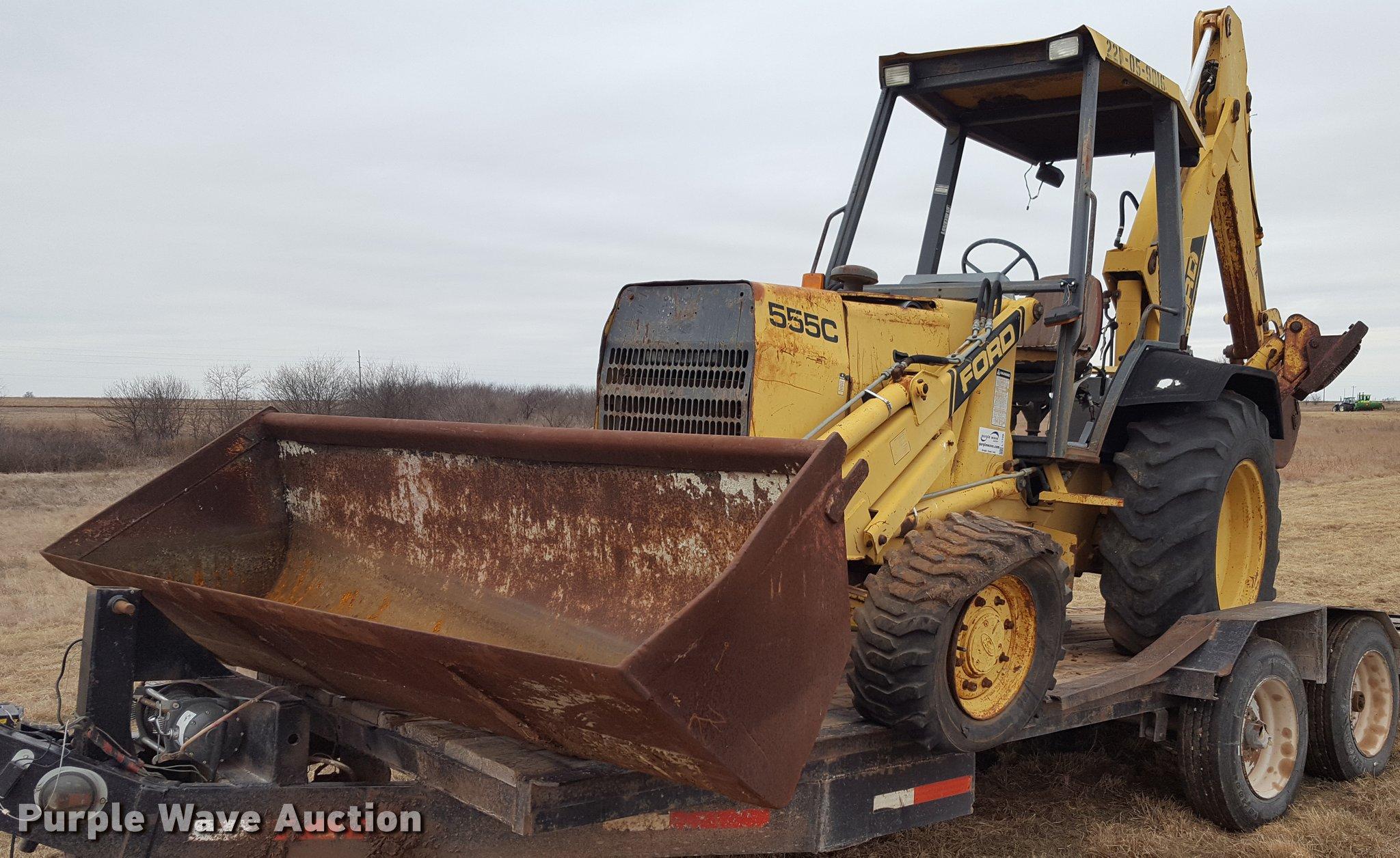 Ford 555C backhoe   Item L1729   SOLD! February 2 Constructi