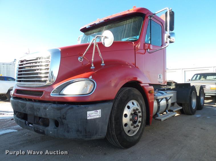 2006 Freightliner Columbia semi truck | Item DA0521 | SOLD!