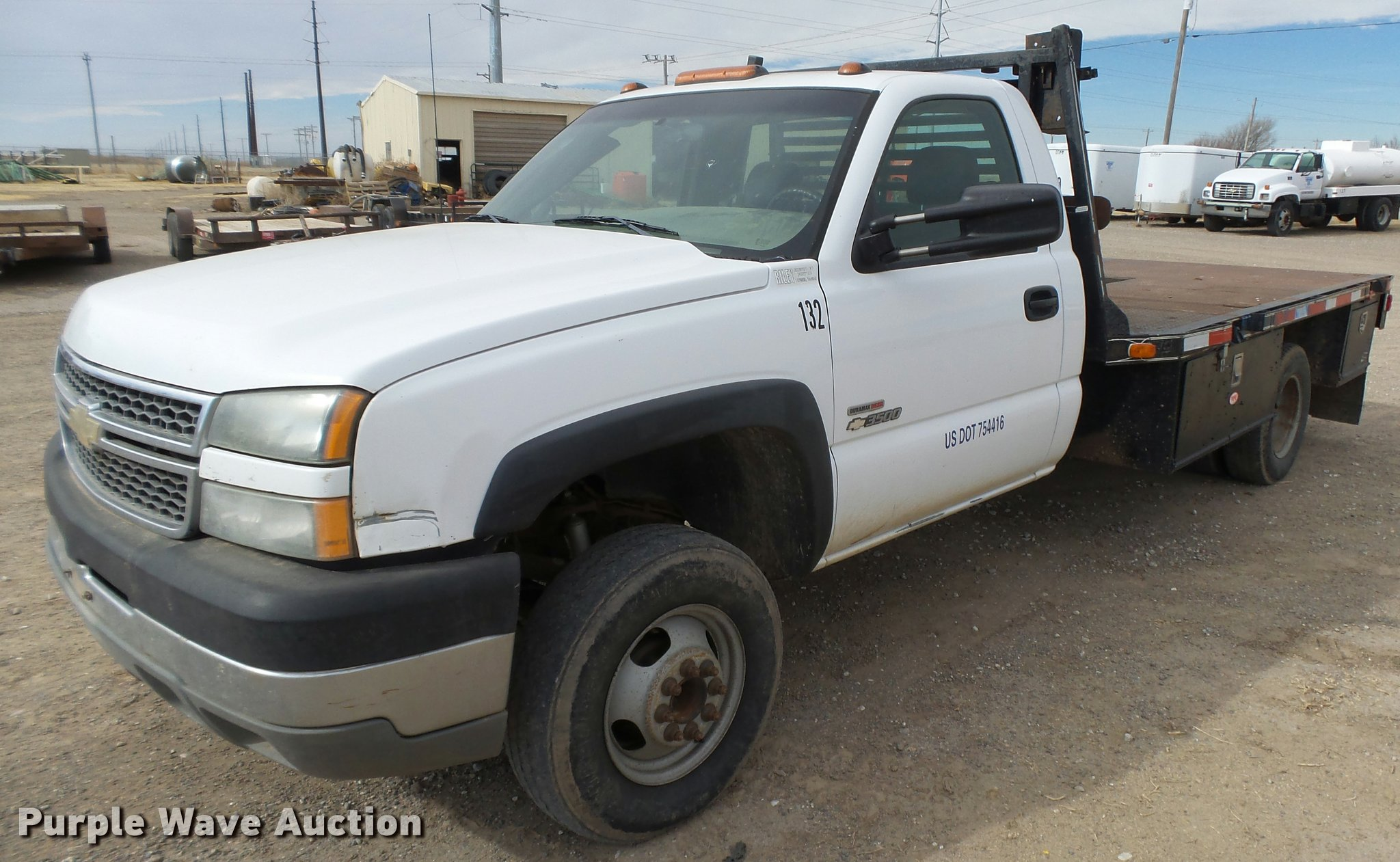 Db1899 image for item db1899 2005 chevrolet silverado 3500 flatbed