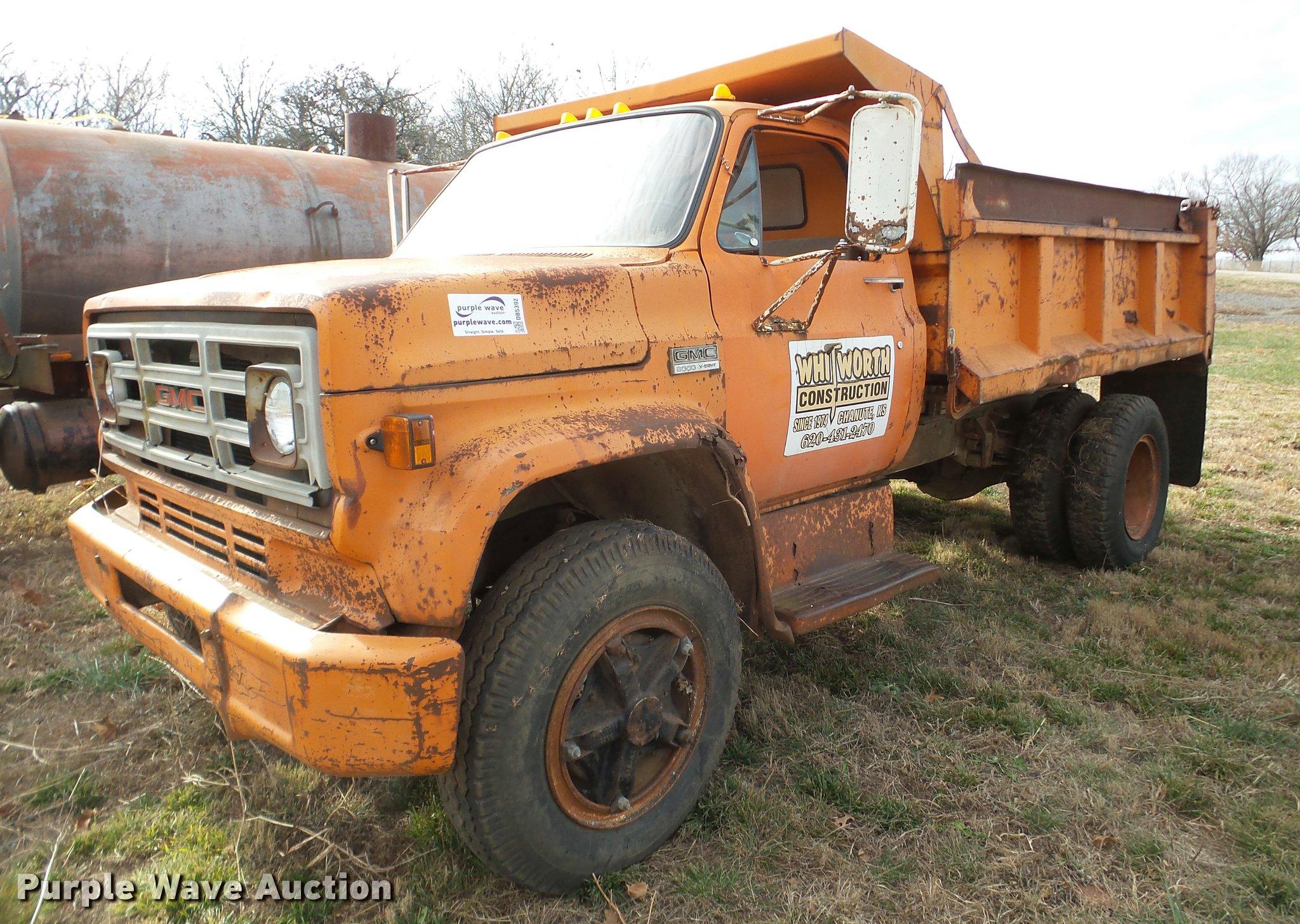 1975 GMC 6000 dump truck Item DB5392