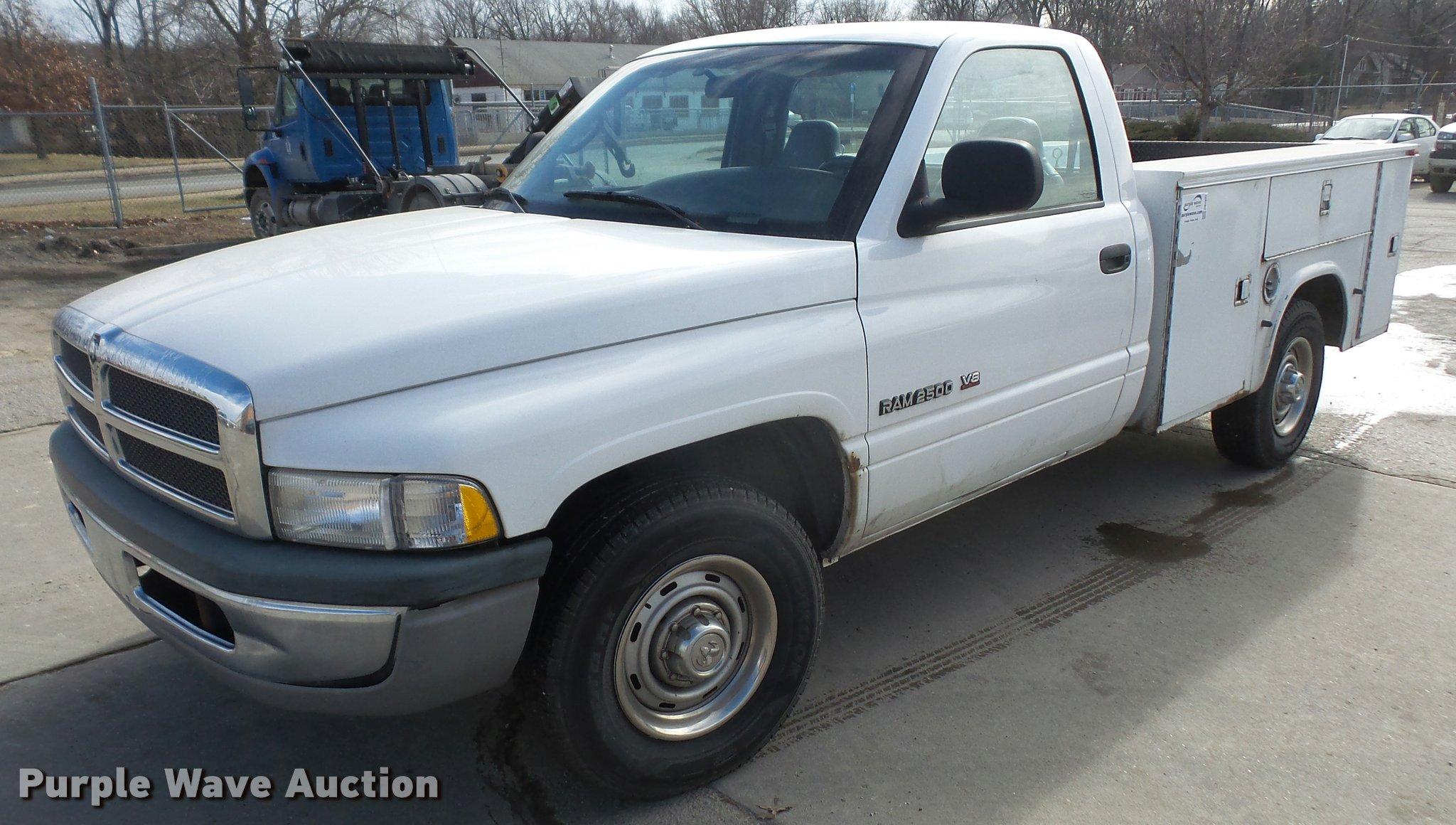 1999 Dodge Ram 2500 Utility Truck In Lawrence Ks Item Db2972 Sold Purple Wave