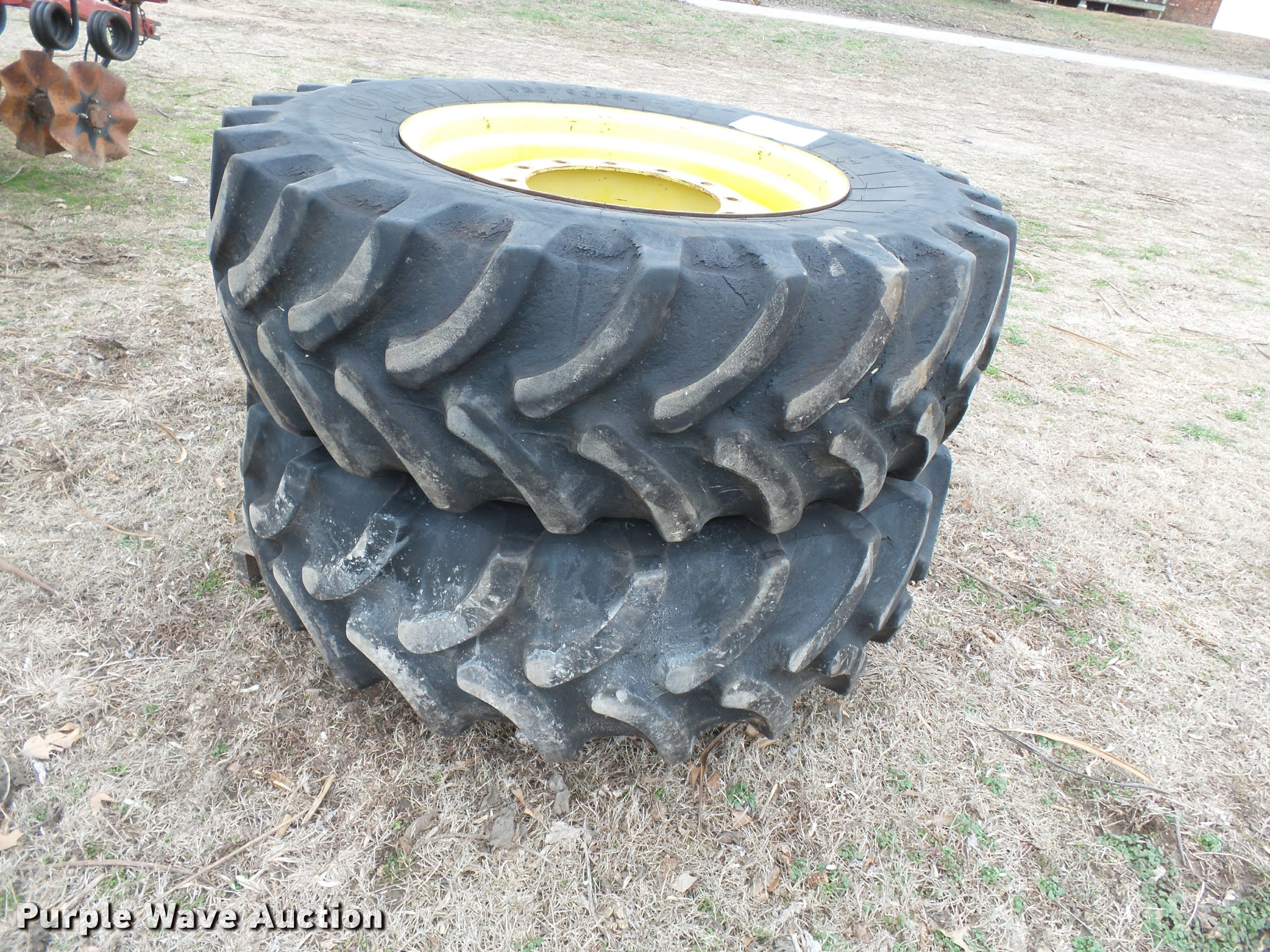 Firestone 420 90R30 dual tires and wheels Item K3380