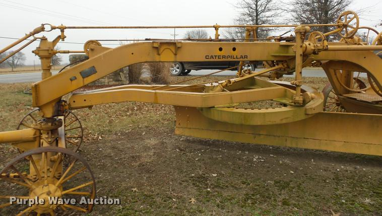 Caterpillar pull type grader | Item DA5871 | SOLD! March 14