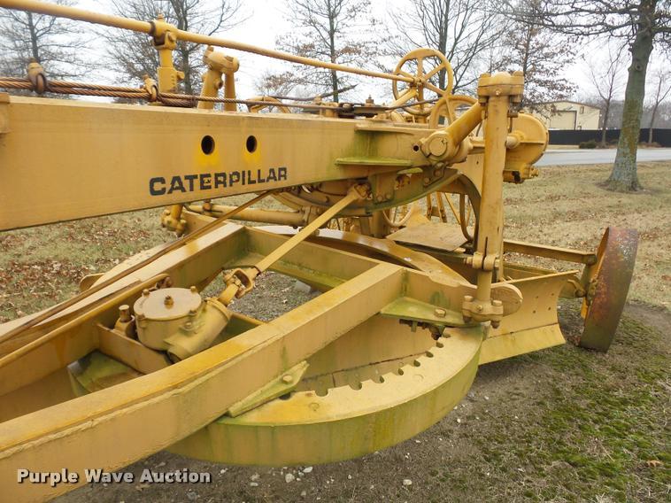 Caterpillar pull type grader | Item DA5871 | SOLD! March 14