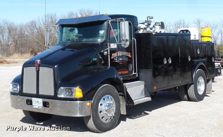 2004 kenworth t300 service truck item da5876 sold. Black Bedroom Furniture Sets. Home Design Ideas