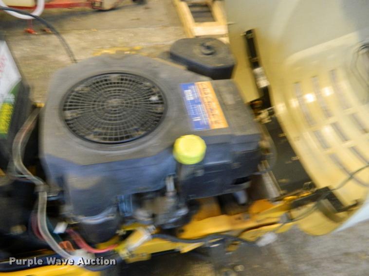 2004 Cub Cadet LT1018 lawn mower | Item DA9679 | SOLD! March