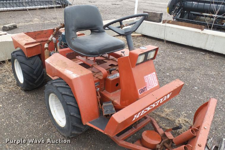 Hesston GMT200 Front Runner lawn mower | Item AT9537 | SOLD!
