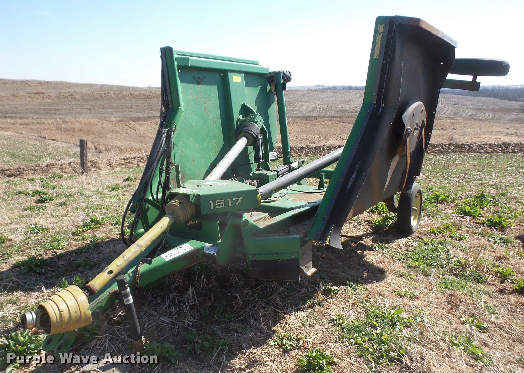 DB0612 Image For Item John Deere 1517 Batwing Rotary Mower