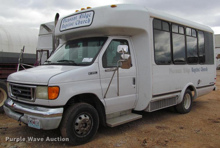 2003 Ford E350 Super Duty Shuttle Bus Item J2647 Sold