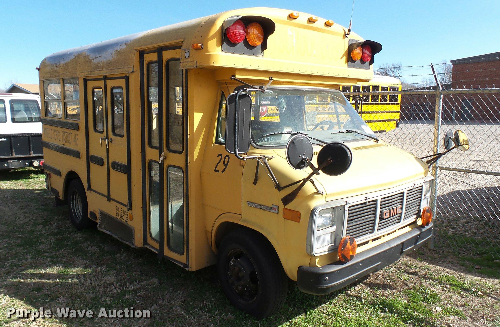 1989 GMC Vandura G3500 school bus | Item DA0419 | SOLD! Apri