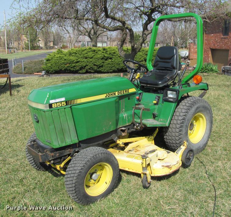 1987 John Deere 855 lawn tractor   Item DT9612   SOLD! April