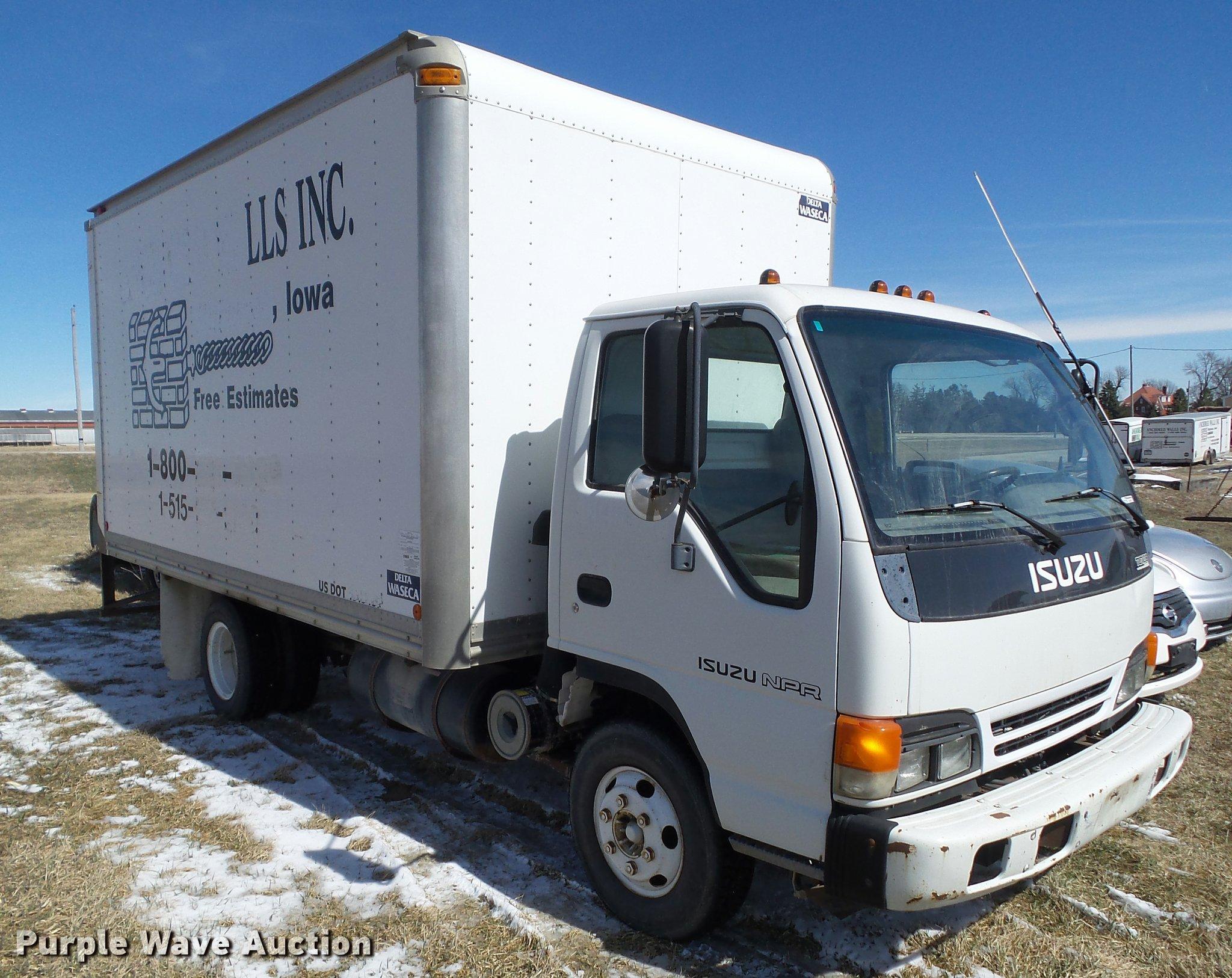 CB9878 Image For Item CB9878 1999 Isuzu NPR Box Truck