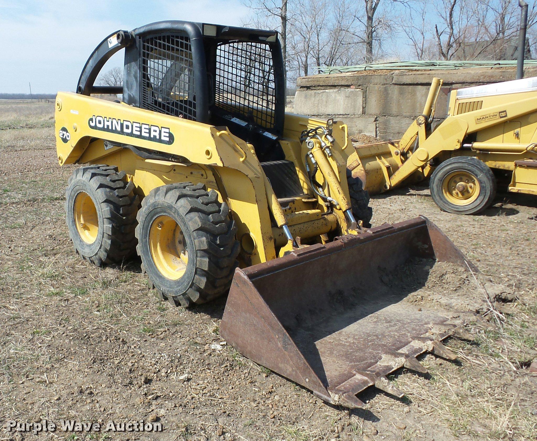 AG9016 image for item AG9016 2000 John Deere 270 skid steer