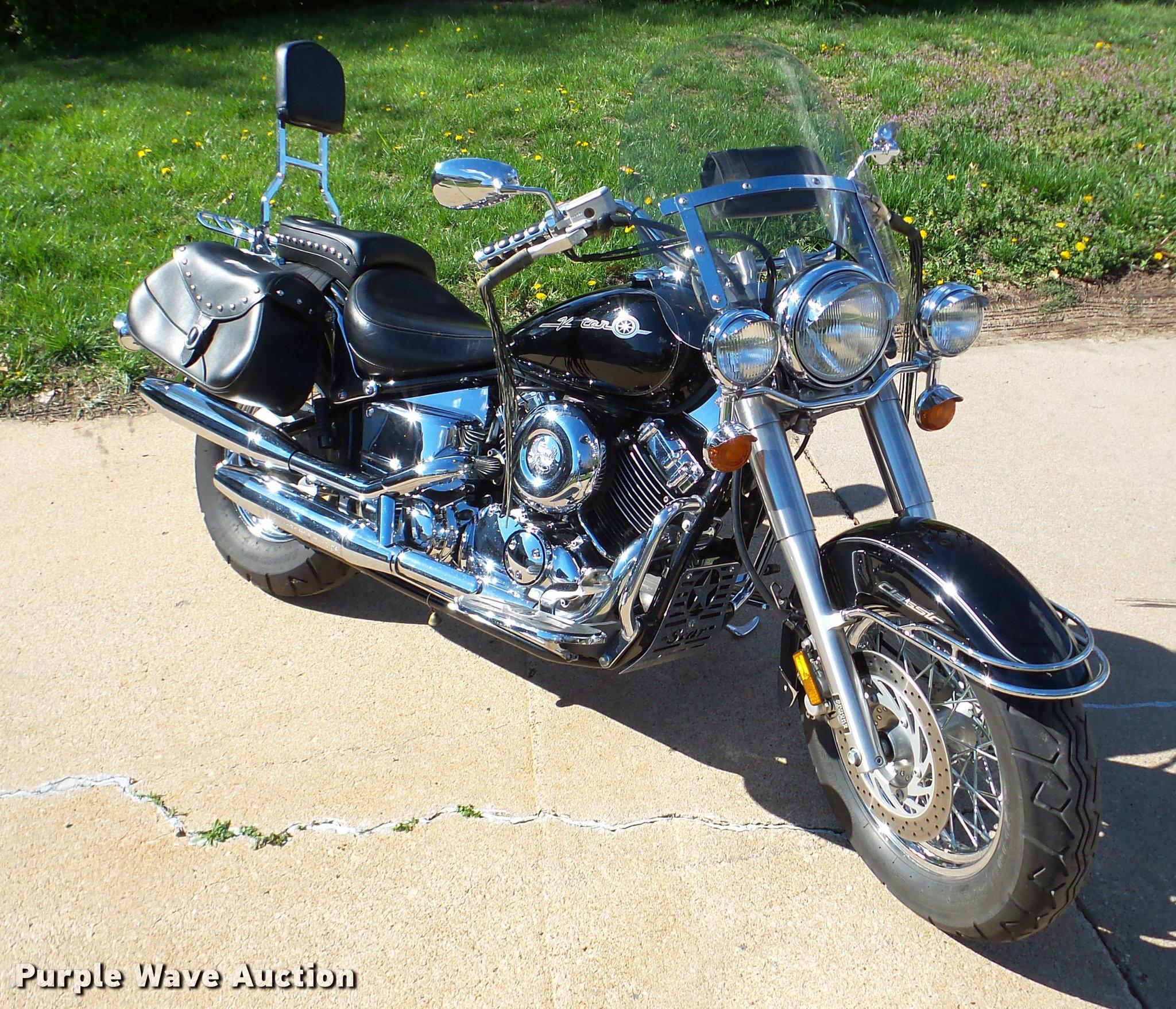 2000 Yamaha V Star 650 Classic motorcycle | Item DA1875 | SO