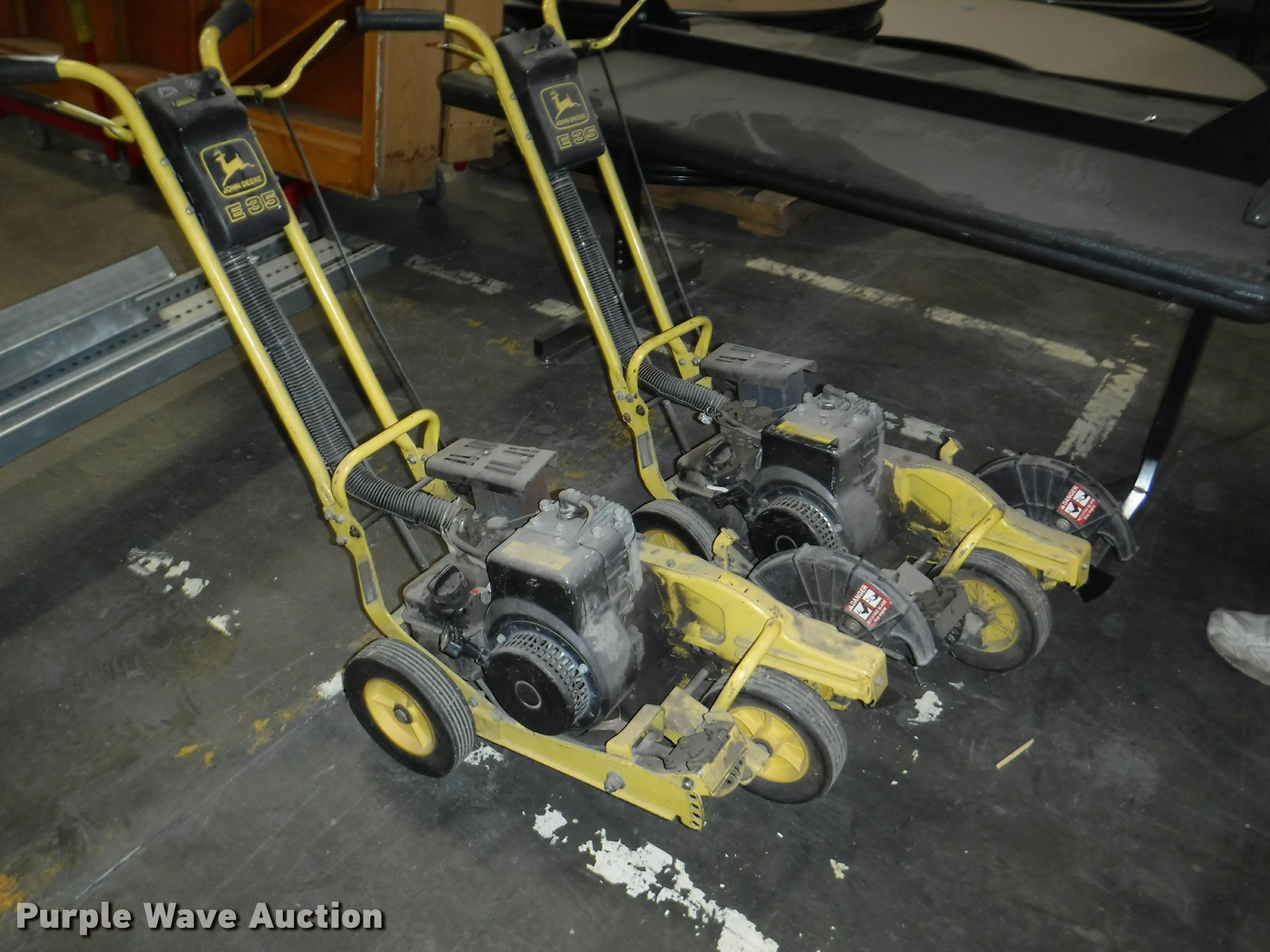 BY9174 image for item BY9174 (2) John Deere E35 lawn edgers