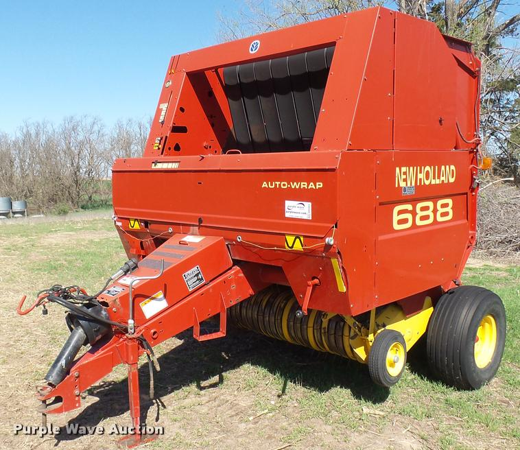 New Holland 688 round baler | Item DA0464 | SOLD! May 3 Ag E