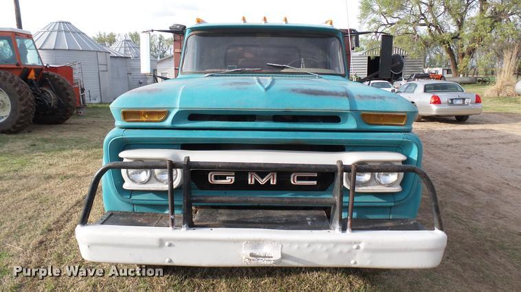 1966 GMC 4000 grain truck | Item DA2244 | SOLD! May 3 Ag Equ