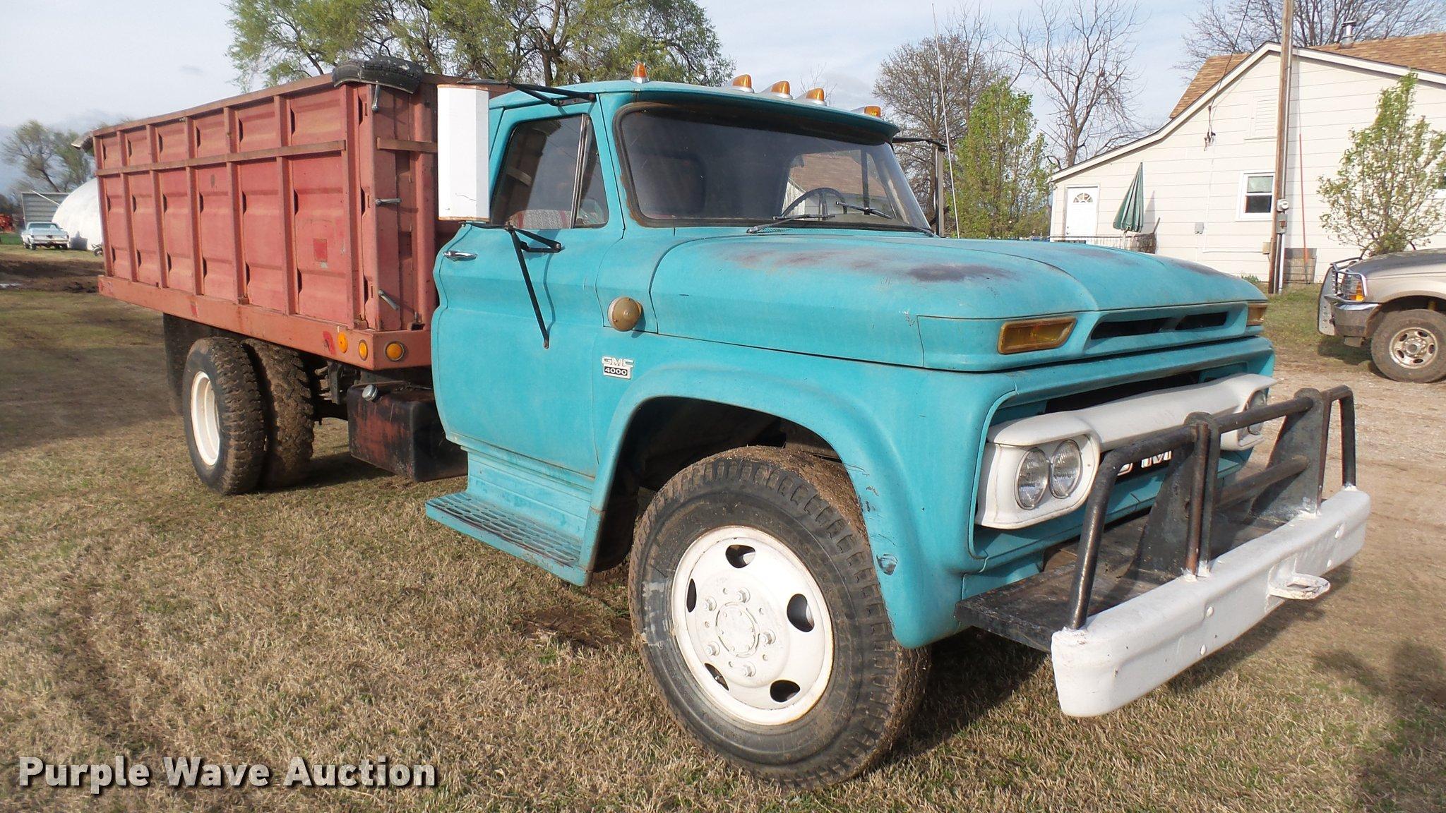1966 Gmc 4000 Grain Truck In Cheney Ks Item Da2244 Sold Purple Wave
