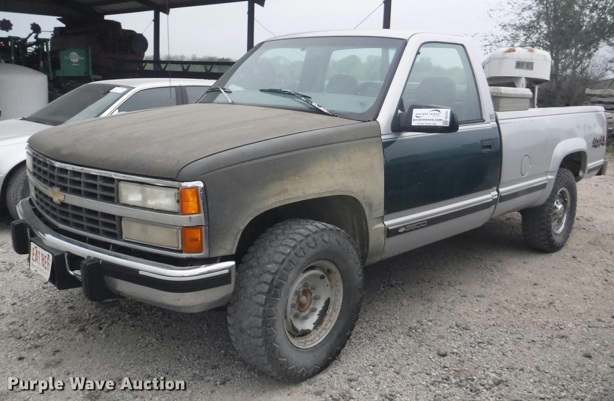 1992 chevrolet silverado 3500 pickup truck | item db3905 | s