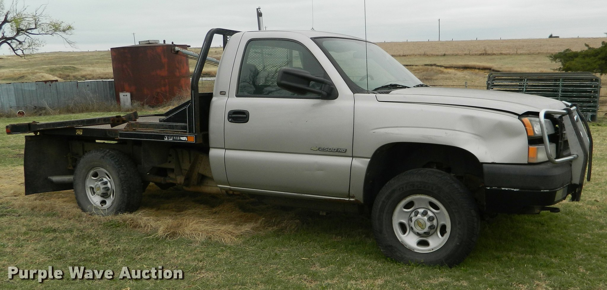2004 Chevrolet Silverado 2500hd Flatbed Pickup Truck In Hoisington Ks Item K2591 Sold Purple Wave
