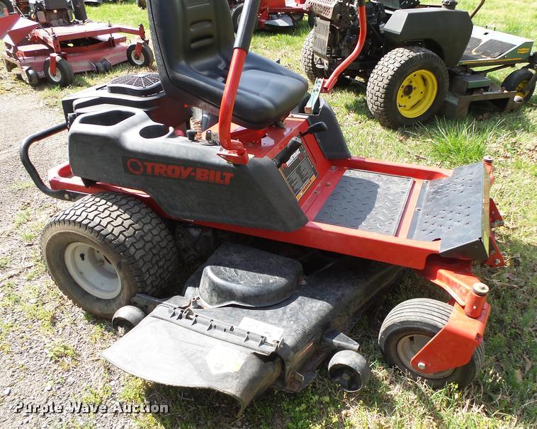 Troy-Bilt Mustang RZT lawn mower | Item DA9097 | SOLD! May 1