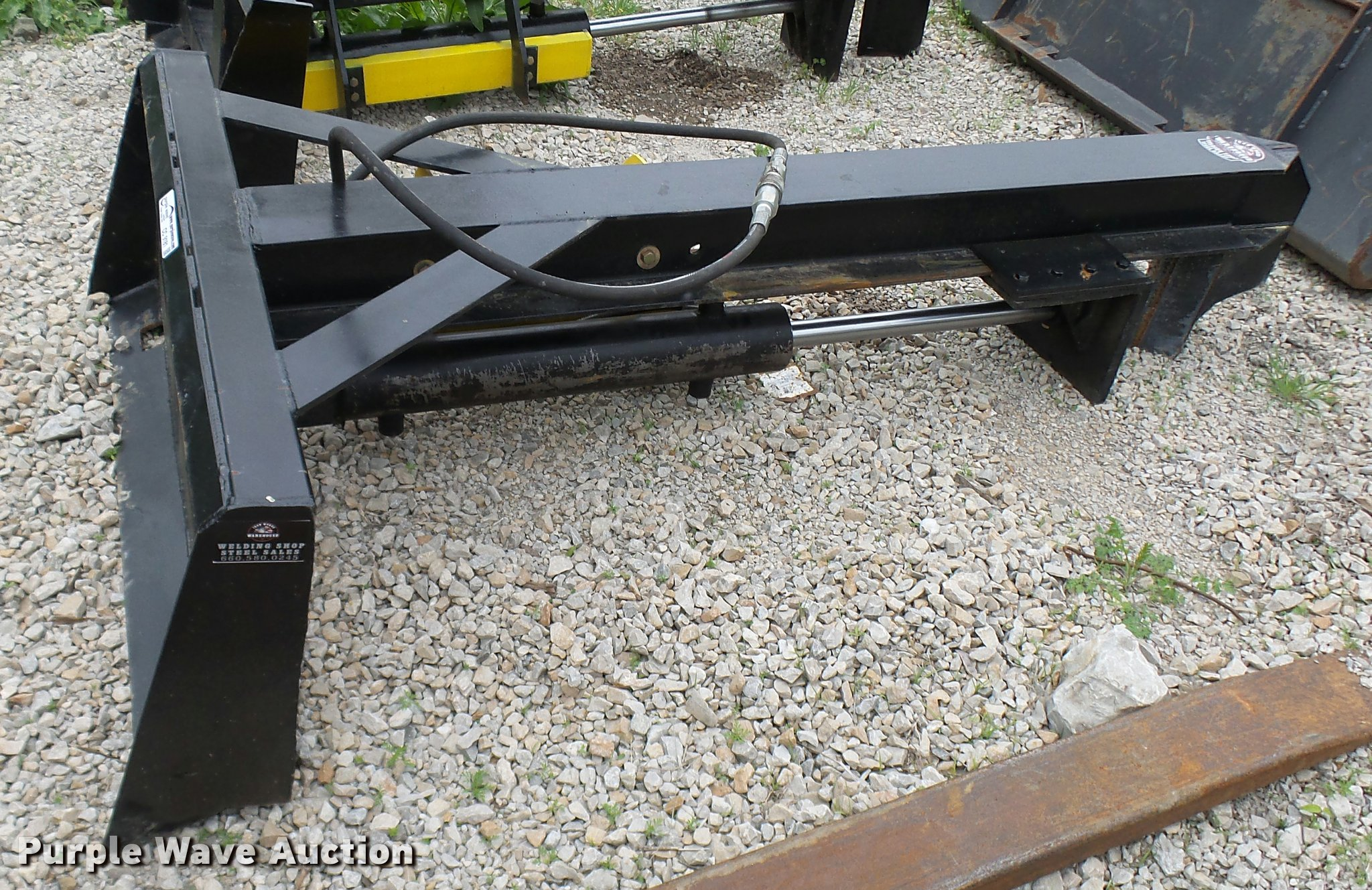 Warehouse Iron Works Inverted Skid Steer Log Splitter Item
