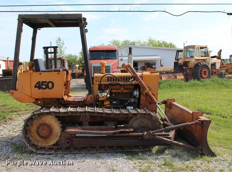 1974 Case 450 dozer | Item L4987 | SOLD! May 11 Construction
