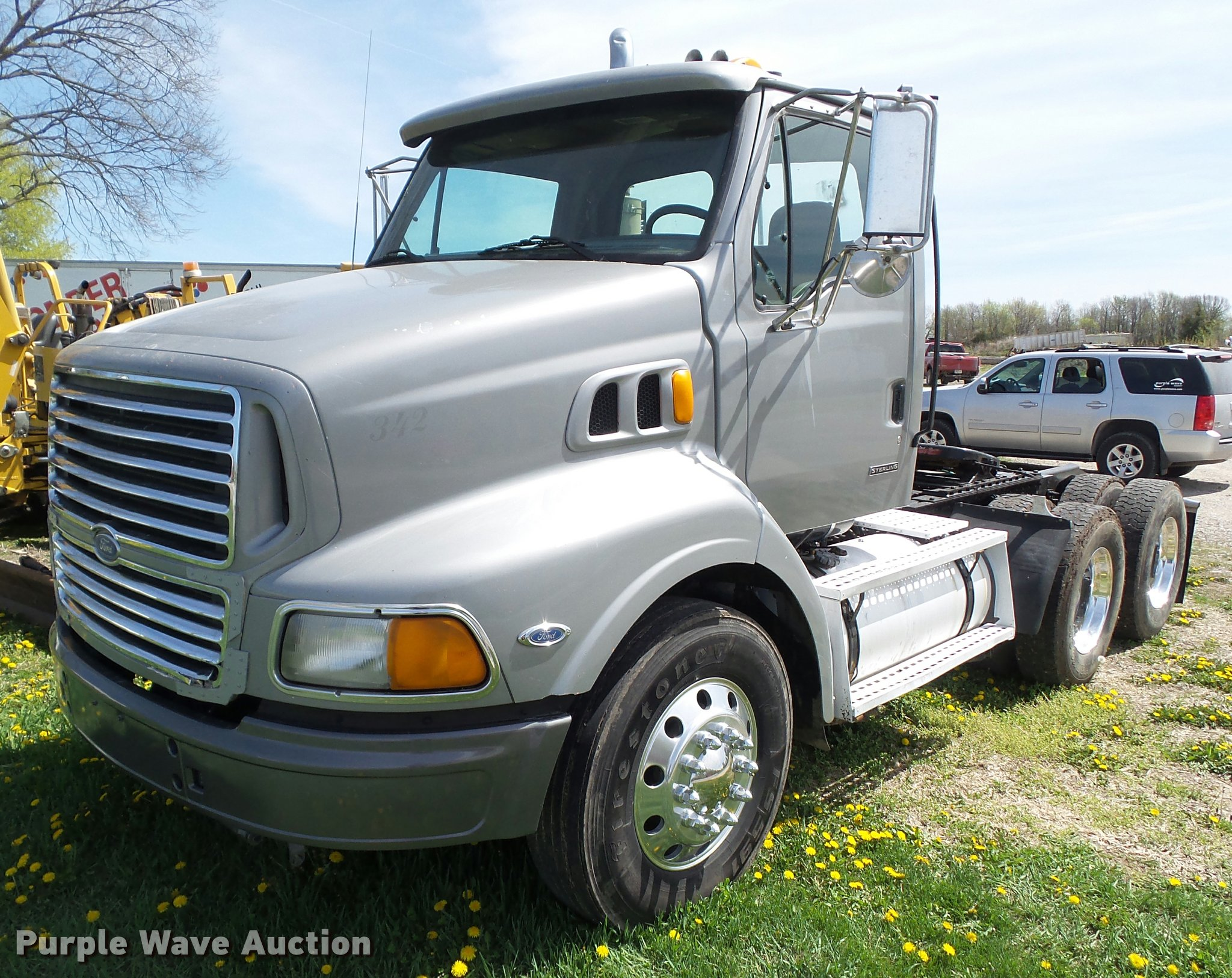2000 Sterling AT9500 semi truck | Item CB9983 | SOLD! May 11