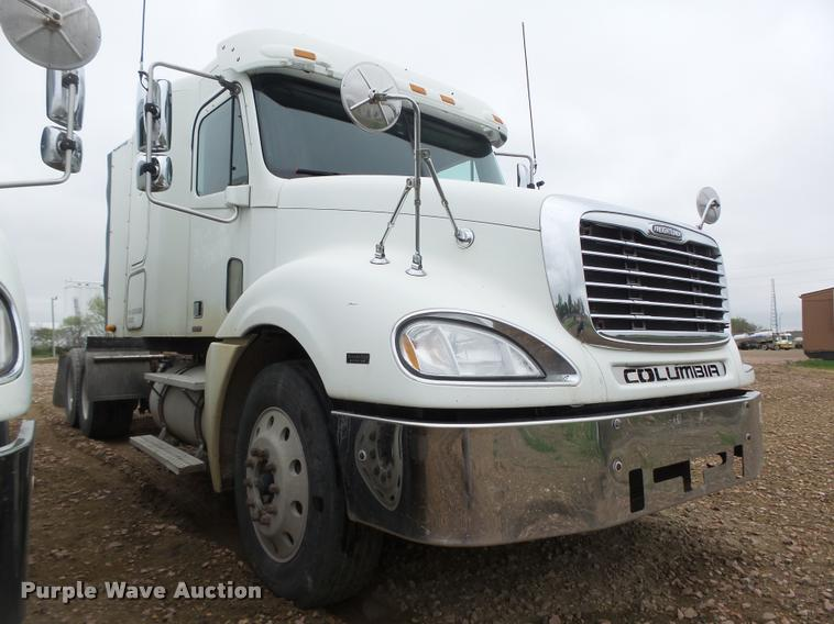 2006 Freightliner Columbia CL120 For Sale (12726156) From