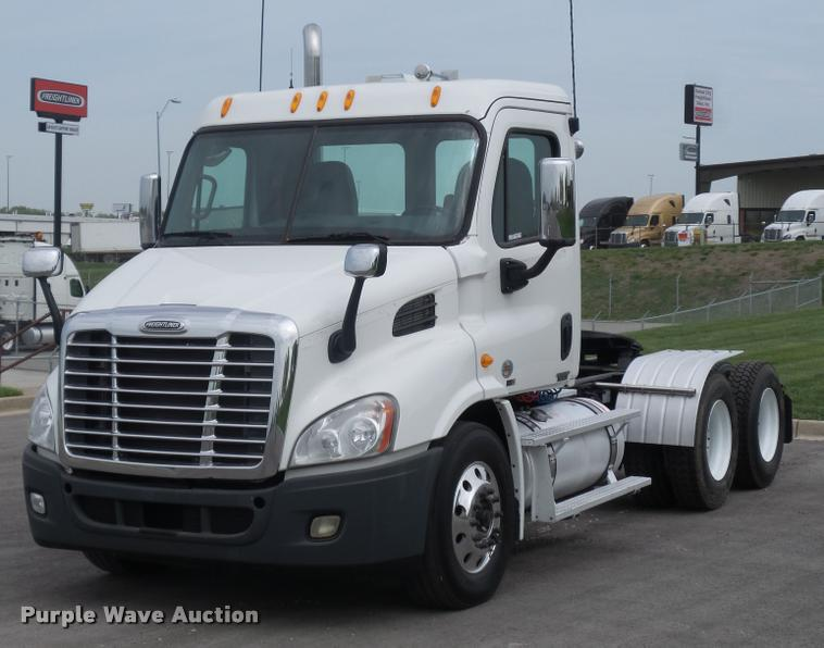 Truck and Trailer Auction in Eldon, Missouri by Purple Wave