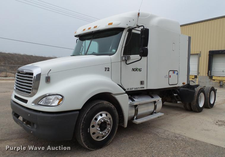 2005 Freightliner Columbia For Sale (12726152) From Purple